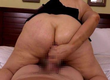 アナルセックスで乱れるブラジルのおばさん